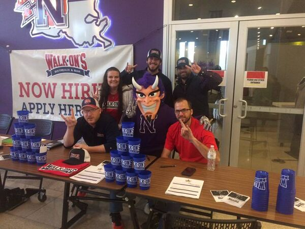 Walk-On's Job Fair recruiting team